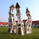 """Záhradná plastika """"Domčeky"""" 2005 Kamenina"""